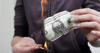 4 common mistakes that people make while saving money